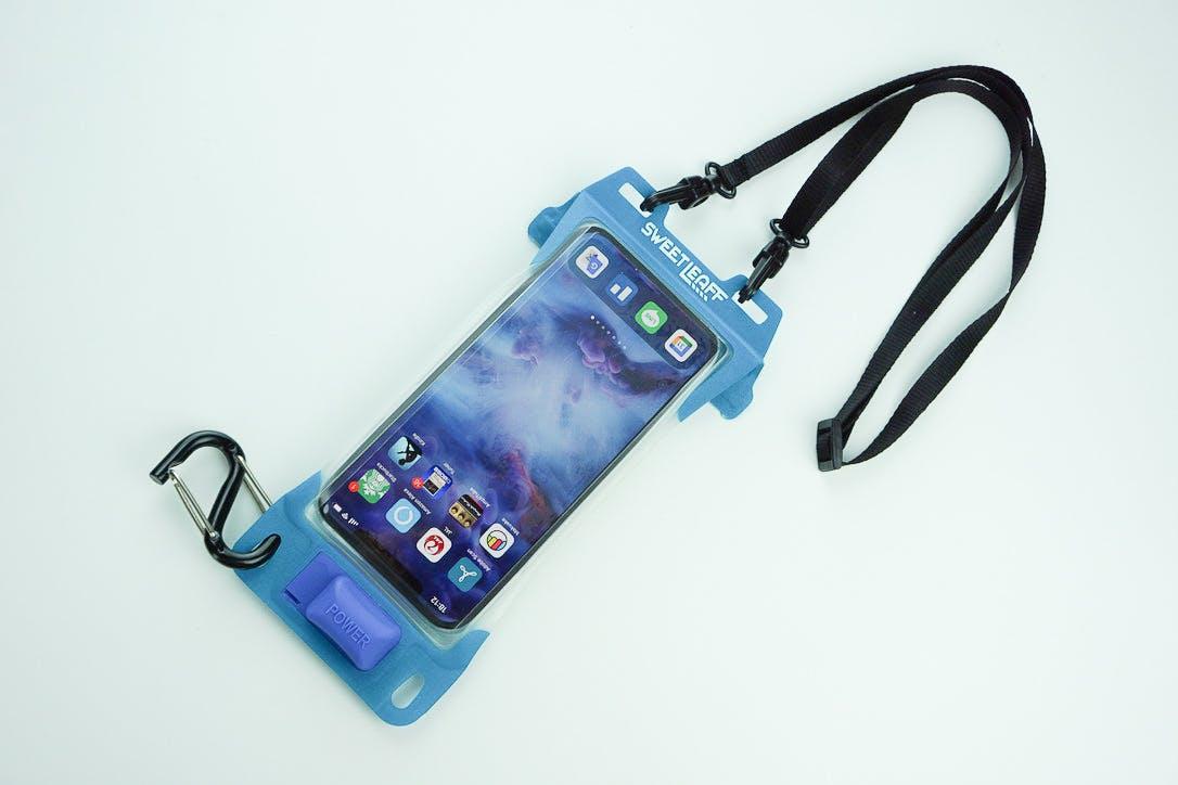 高機能防水、エアポンプ搭載でスマホに密着させるから操作も簡単【スマホ防水ポーチ】