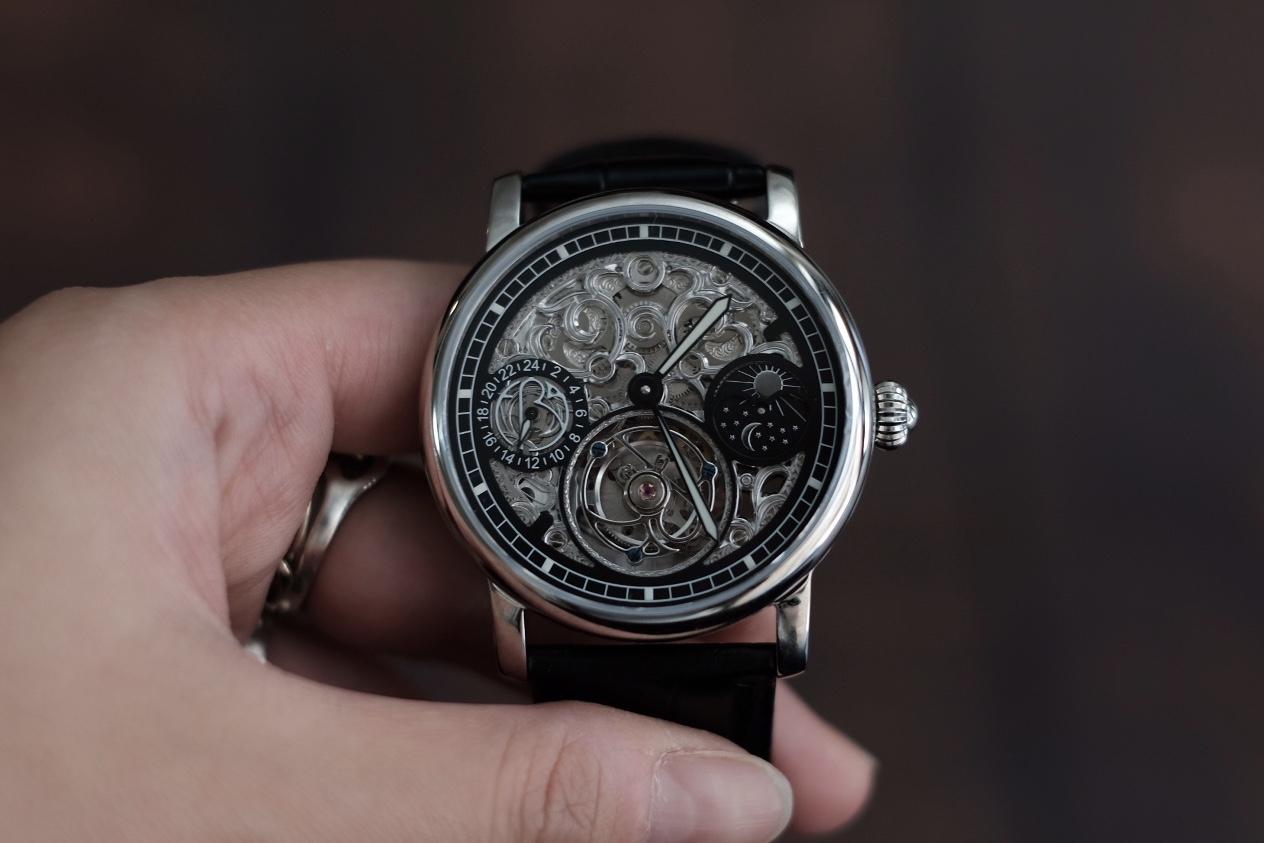 トゥールビヨン腕時計を手に入れるという夢が叶うかもしれない!クラウドファンディングでも大注目の時計【ERA Prometheus(エラ プロメテウス)】