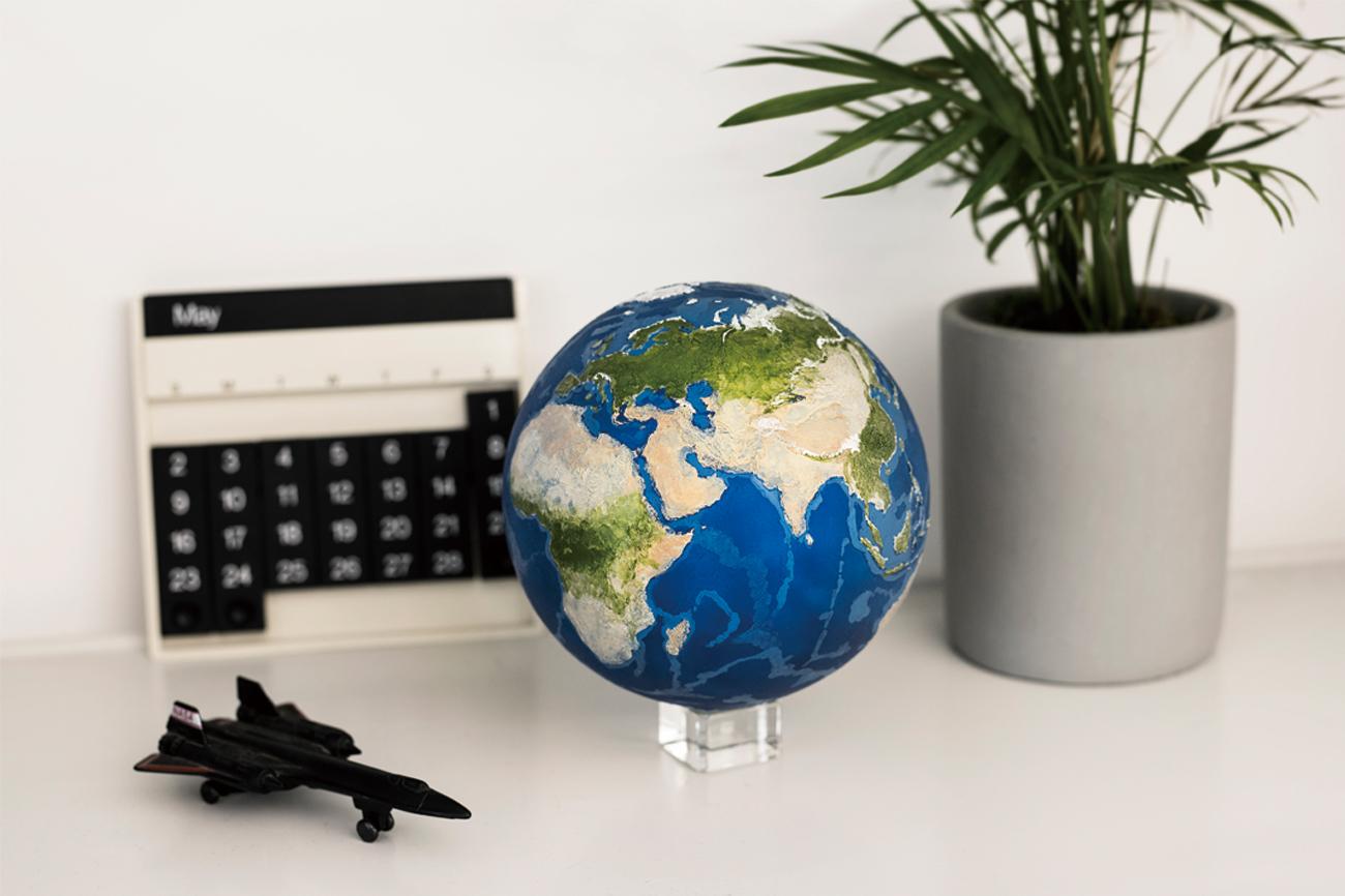 EARTH AR 地球を細部まで観察できるAR地球儀