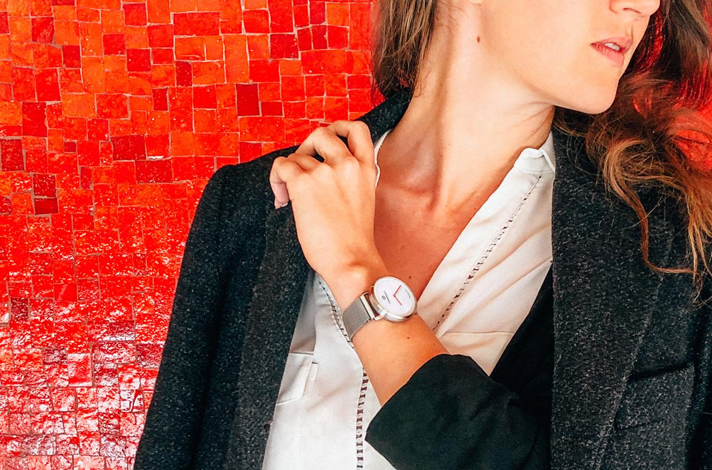 NOERDEN スマートウォッチ 交換ベルト 服のように時計もチェンジ