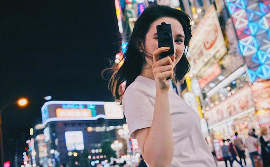 映画風の映像が撮れるレトロな8mmカメラ【Fragment 8】からColorレンズVer.が新登場!